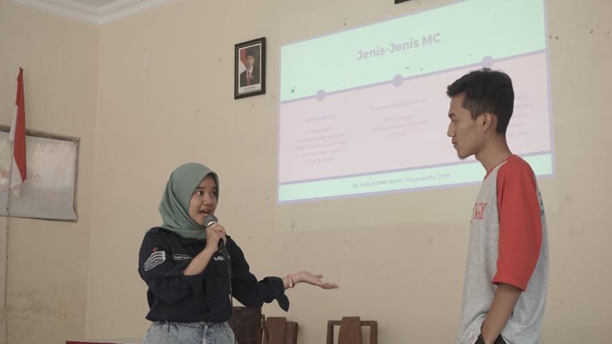 Image : Pelatihan Master of Ceremony dari KKN STMM Yogyakarta